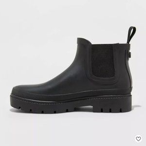 UNIVERSAL THREAD black rubber chelsea rain bootie